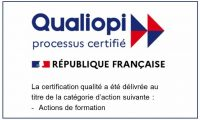 Logo Qualiopi blanc liseret bleu